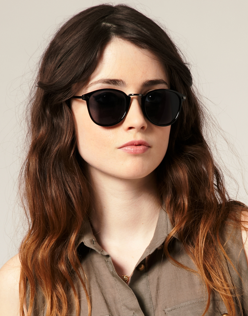 Our women's shades come in hundreds of styles, colors and shapes and are sure to appeal to most every taste. The Quality of Our Sunglasses for Women There are a lot of choices out there when it comes to women's eyewear, to say the least.