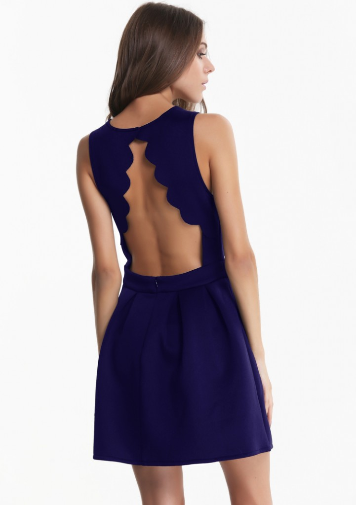 sleeveless backless pleated dress